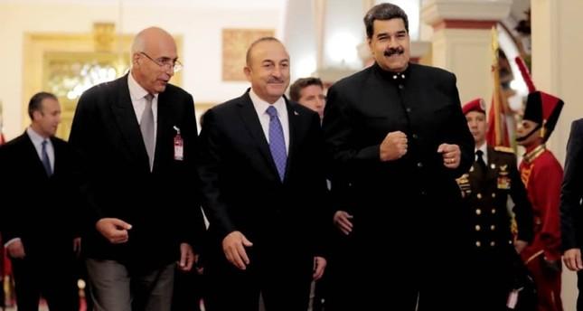 مادورو يعبر لتشاوش أوغلو عن إعجابه الشديد بمسلسل قيامة أرطغرل