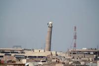 Kämpfer der Daesh-Terrororganisation haben nach Angaben der irakischen Armee die symbolträchtige und Jahrhunderte alte große Moschee in der umkämpften Metropole Mossul gesprengt - offensichtlich...