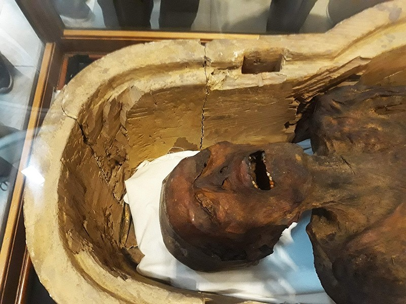 A picture taken on February 14, 2018 shows the ,Screaming Mummy, known scientifically as ,the unknown man E, on display at the Egyptian Museum in Cairo's Tahrir Square. (AFP Photo)