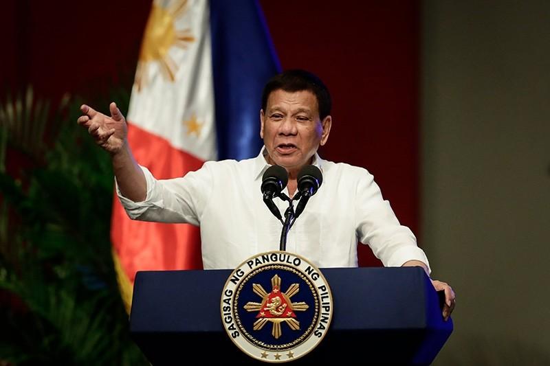 Philippine President Rodrigo Duterte gestures during his speech in Pasay City, south of Manila, Philippines, 26 September 2017 (EPA Photo)