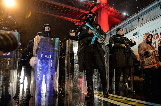 Terror attack on Istanbul nightclub leaves 39 dead, 65 wounded
