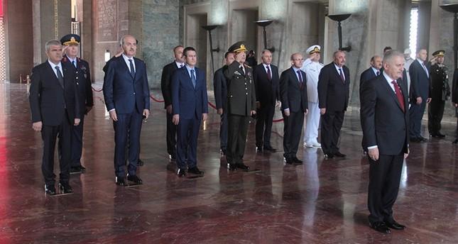 وزراء مدنيون يشاركون لأول مرة في تاريخ تركيا باجتماع أعلى مجلس عسكري بالبلاد