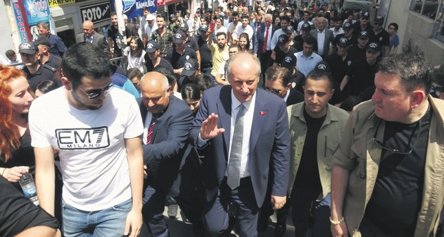 In the wake of the CHP's defeat in the June 24 elections, Muharrem İnce (center) voiced his intention to run for party chairmanship, building on the support he gained during the presidential race.