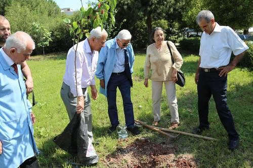Turkey's elderly keep sharp at Senior Citizens University
