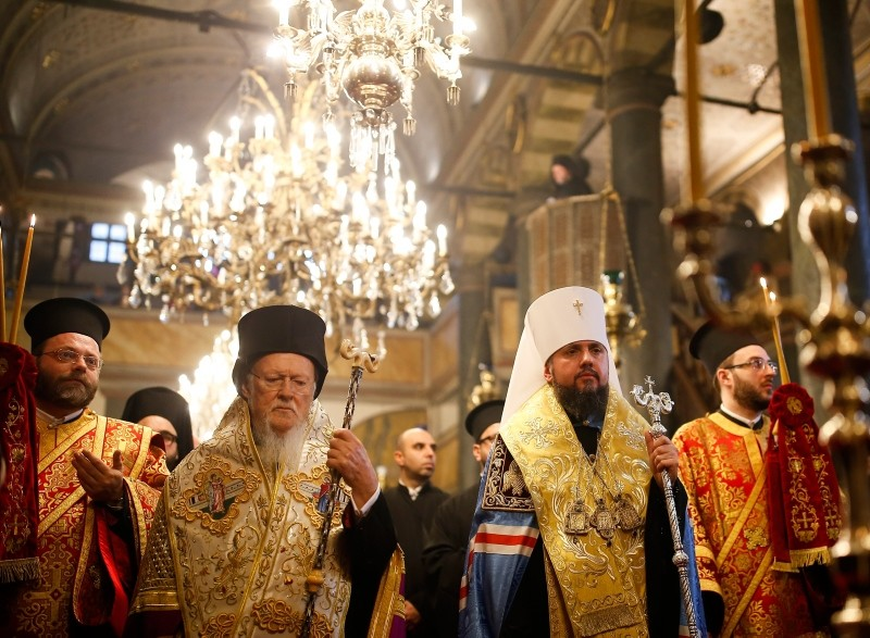 Patriarch Bartholomew I (L) and Metropolitan Epiphanius, the head of the independent Ukrainian Orthodox Church, walk together during their meeting to sign the ,Tomos, decree at the Patriarchal Church of St George in Istanbul, Jan. 5, 2019. (AP Photo)