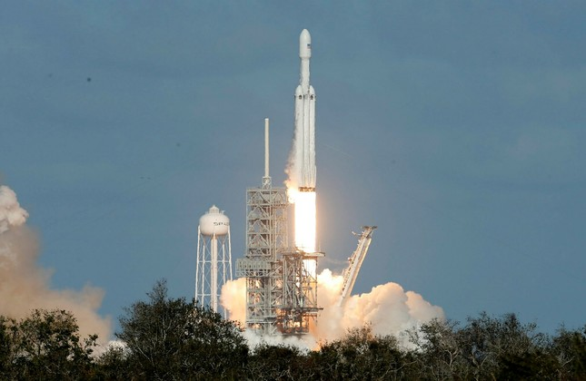 A SpaceX Falcon Heavy rocket lifts off from historic launch pad 39-A at the Kennedy Space Center in Cape Canaveral, Florida, U.S., February 6, 2018.