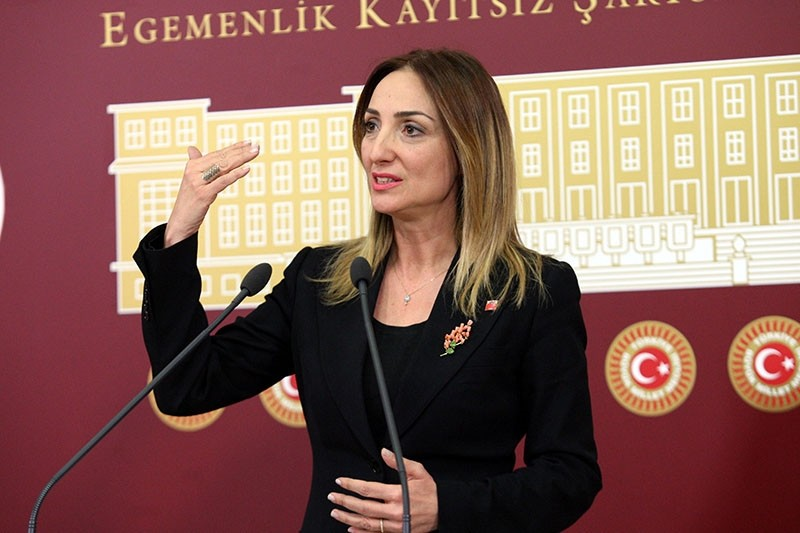 This file photo dated March 04, 2016 shows former CHP deputy Aylin Nazlu0131aka holding a press conference in the Parliament in Ankara. (Photo: Sabah / Ali Ekeyu0131lmaz)