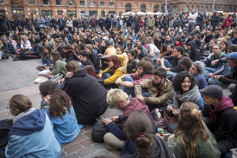 Students hold a general meeting at the Place du Capitole, Toulouse, May 9. (AFP Photo)