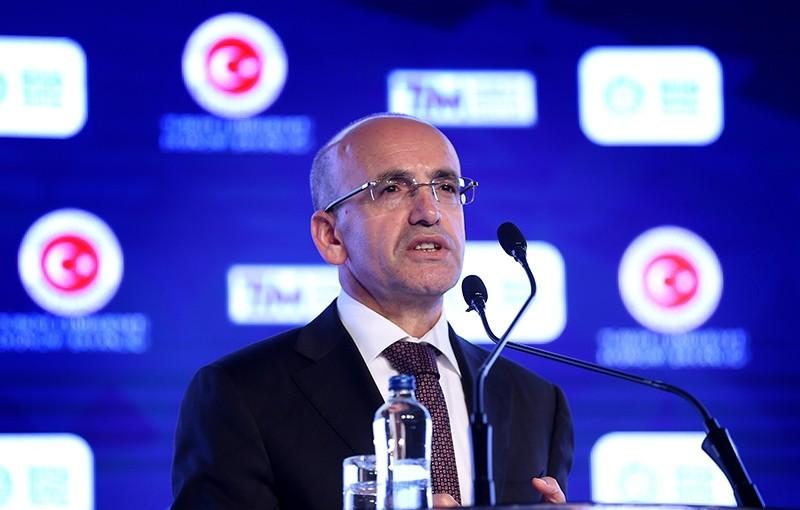 Deputy Prime Minister responsible for economy Mehmet u015eimu015fek speaking at the Turkey Export Week, Istanbul, Turkey, Nov. 3, 2017. (AA Photo)