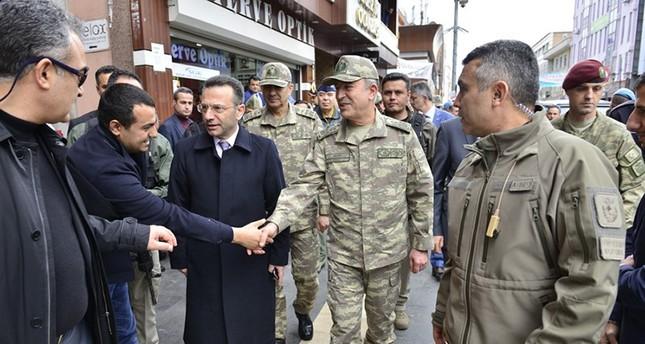 رئيس الأركان التركي يتفقد الوحدات العسكرية في جنوب شرق البلاد
