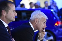 Volkswagen replaces CEO Mueller with brand head Diess, announces new structure