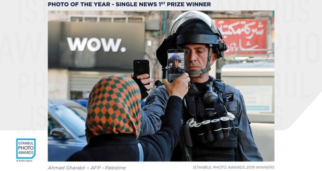 Palestinian photojournalist wins first prize at Istanbul Photo