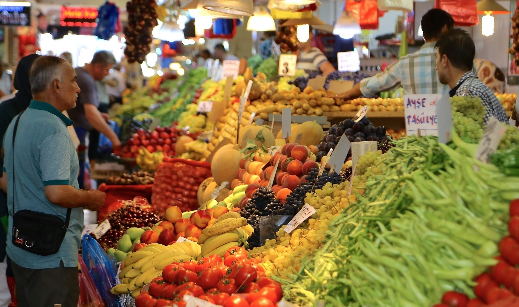 Inflation increased  24.52 percent in September year-on-year, up 6.3 percent from the previous month, according to data from the Turkish Statistical Institute (TurkStat).