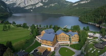 pWho would have thought that the Austrian mountains where the first compositions of Wolfgang Amadeus Mozart had echoed would one day be a favorite destination for a detox? The town of Altaussee is...