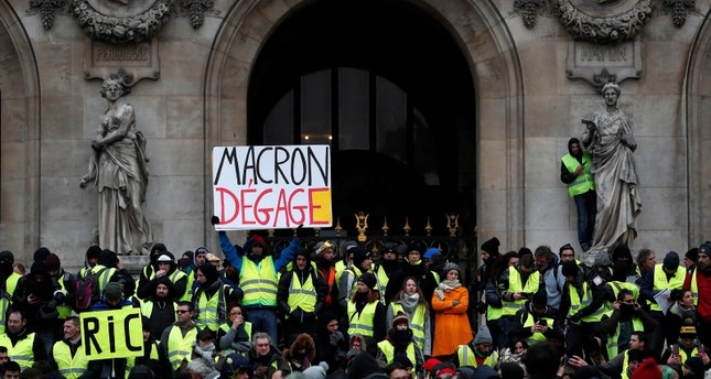 115 detained in 'yellow vest' protests in Paris