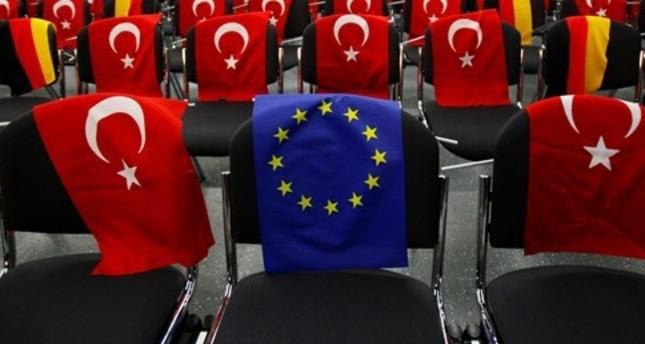 الاتحاد الأوروبي يبحث المحاولة الانقلابية في تركيا وموقفه من الانقلابيين