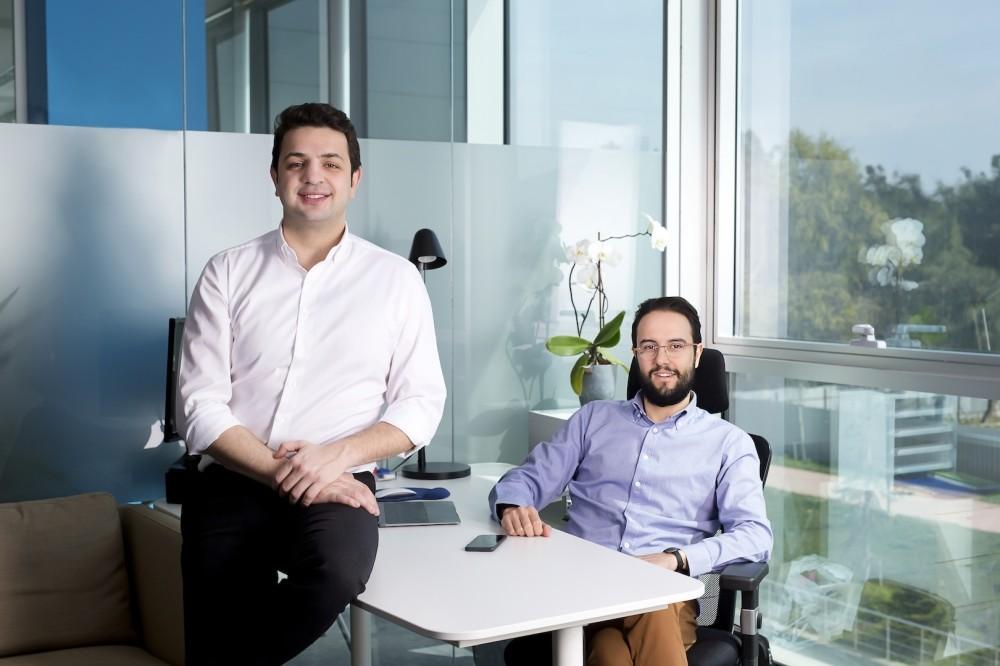Serter Varol (L) and Emre Yu0131lmaz founded mobile application company Mobven in 2012.