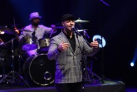 Maher Zain pays tribute to NZ terror victims at Istanbul concert