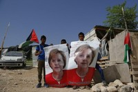 ميركل تهدد بإلغاء زيارتها إلى إسرائيل في حال أقدمت الأخيرة على هدم الخان الأحمر