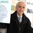 80-year-old bookworm puts youngsters to shame