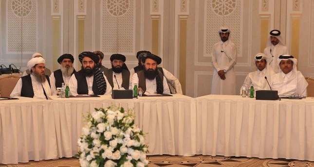 وفد طالبان في الدوحة أمس الفرنسية
