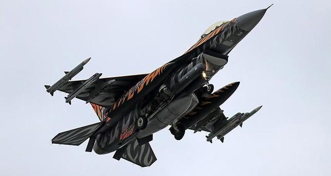 غارات تركية تدمر 12 هدفاً لتنظيم بي كا كا الإرهابي شمال العراق