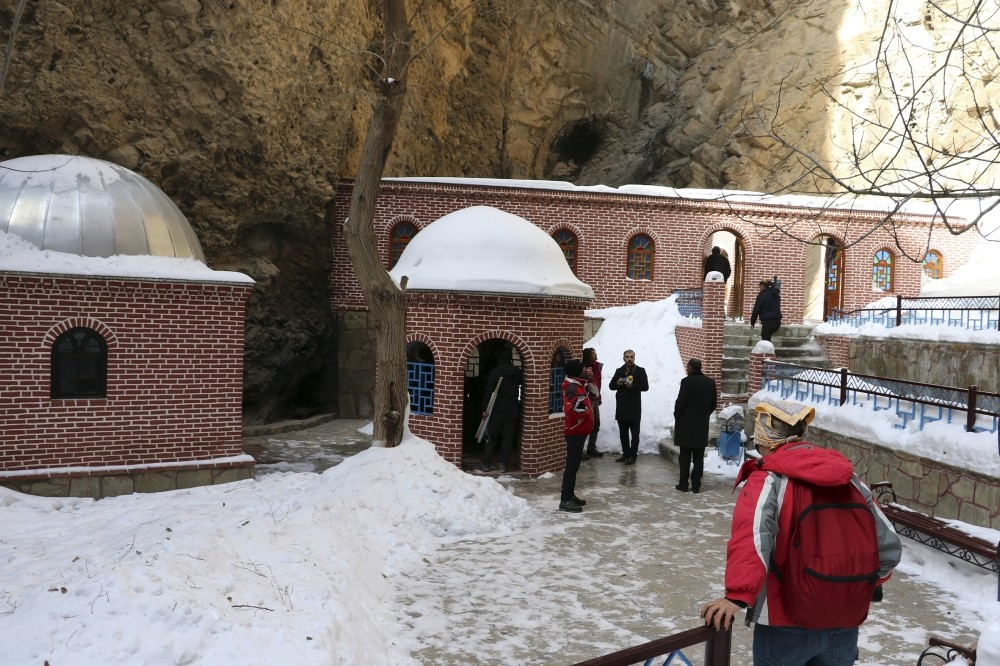 Located in Julfa, the Seven Sleepersu2019 Cave, which bears traces of multiple ancient cultures, attracts widespread attention from tourists, especially those from Muslim countries, including Iran and Turkey.