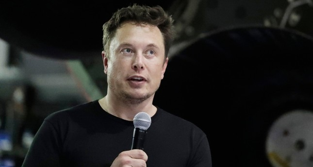 ın this Sept. 17, 2018, file photo SpaceX founder and chief executive Elon Musk speaks in Hawthorne, Calif. (AP Photo)