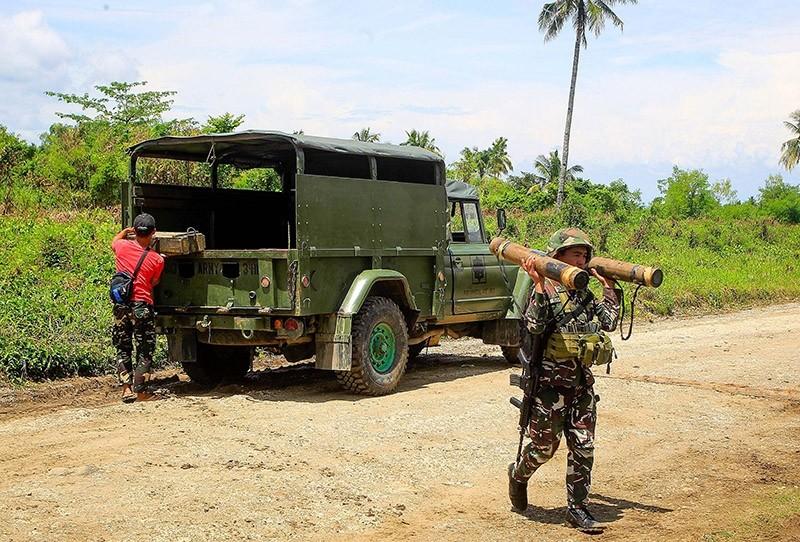 A Filipino soldier in Pigcawayan, North Cotabato, Mindanao Island, southern Philippines, 21 June 2017 (EPA Photo)