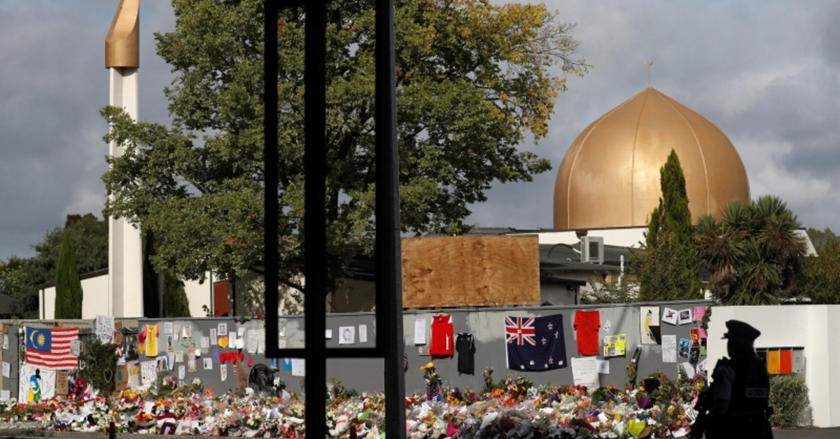 A police officer stands guard outside Al Noor mosque in Christchurch, New Zealand. (Reuters Photo)