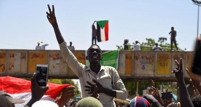 المعارضة السودانية: 11 إصابة بمحيط اعتصام الخرطوم بينها 4 بالرصاص