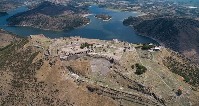 توأم الكولوسيوم.. مسرح بيرغامون بتركيا يستعد لمعانقة العالم من جديد