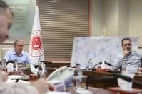 وزير الدفاع التركي خلوصي أقار مجتمعاً مع كبار قادة القوات المسلحة التركية (الأناضول)