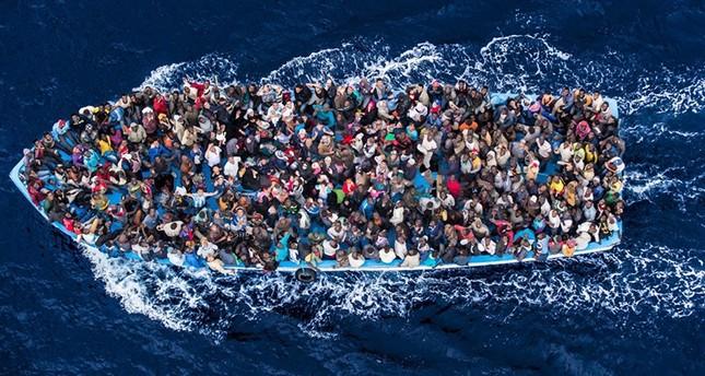 من أين تأتي قوارب اللاجئين ومن يشتريها وكيف؟