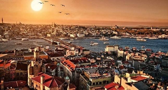 رغم توتر العلاقات بين البلدين.. السياح الألمان يتصدرون قائمة زوار إسطنبول خلال النصف الأول من 2017