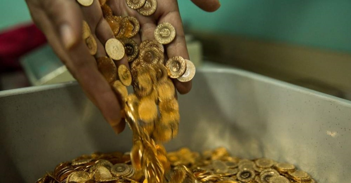 Gold deposit accounts in Turkey skyrocketed by 67.3% in the January-September period, reaching TL 64,.5 billion from TL 38.5 billion in the same period last year. (DHA Photo)