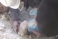 A video that surfaced on Monday showing the rescue of a little Syrian girl from an Assad regime bombing has gone viral on social media.