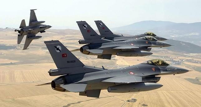 طائرات حربية تركية تستهدف مواقع ب ي د الإرهابي شمالي سوريا