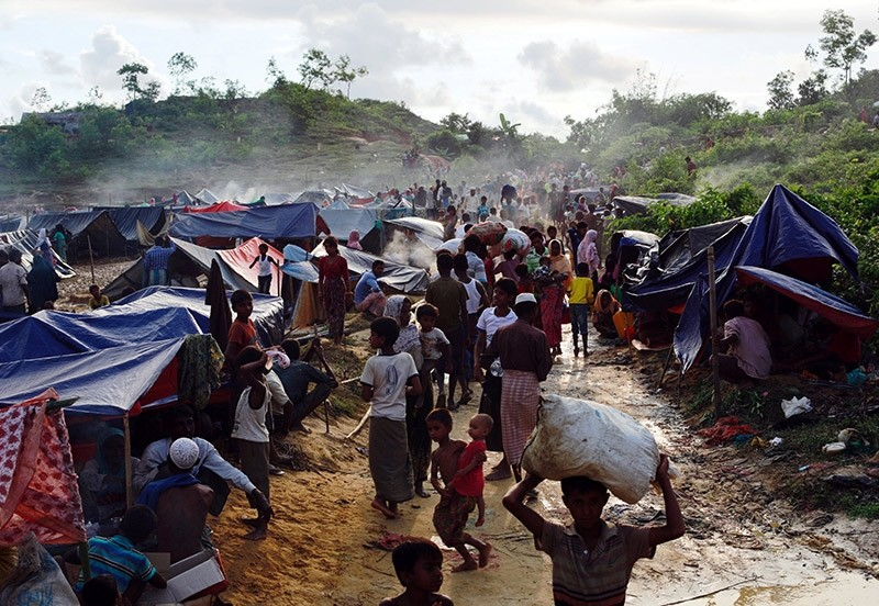 Rohingya refugees are seen at Thaingkhali makeshift refugee camp in Cox's Bazar, Bangladesh, September 14, 2017. (Reuters Photo)