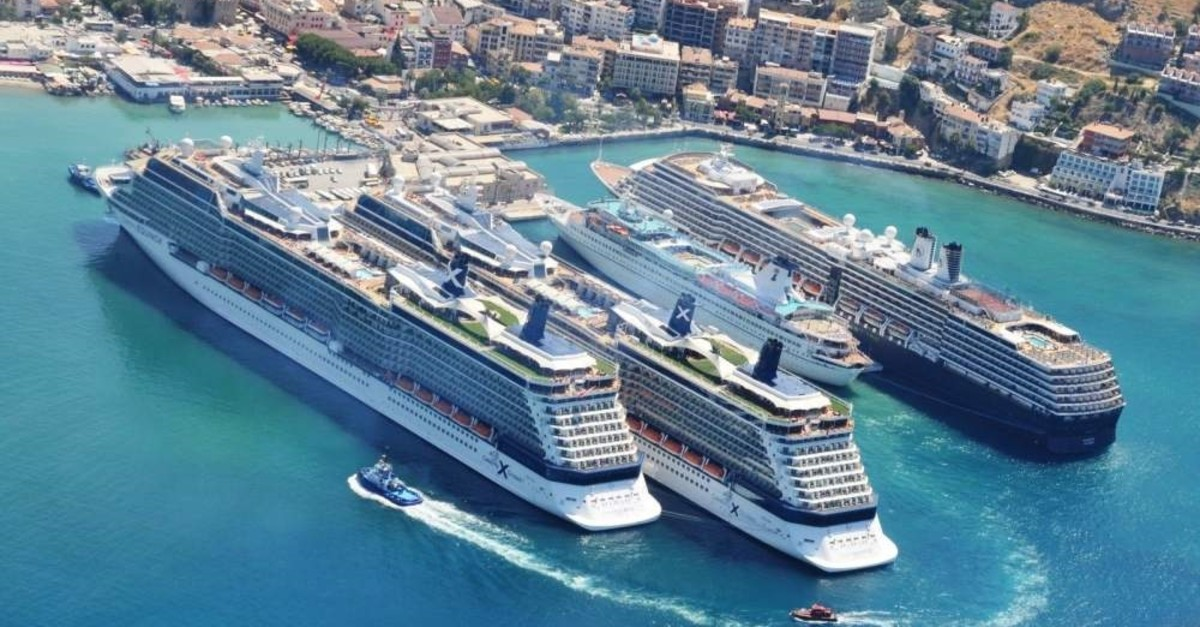Cruise ships seen anchored in Ege Port in Ku?adas?, a famous holiday resort town situated conveniently close to major archaeological sites. (?HA Photo)