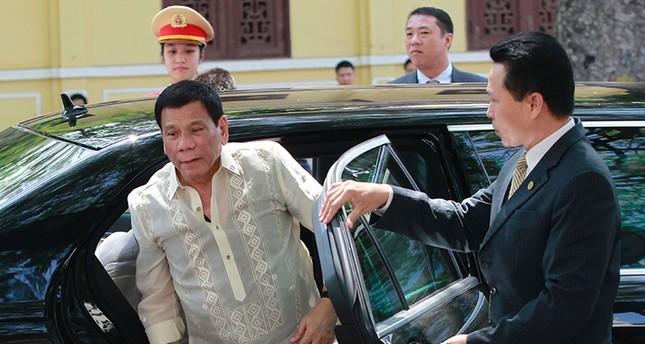 الرئيس الفلبيني يأمل بقتل 3 ملايين مدمن وتاجر مخدرات