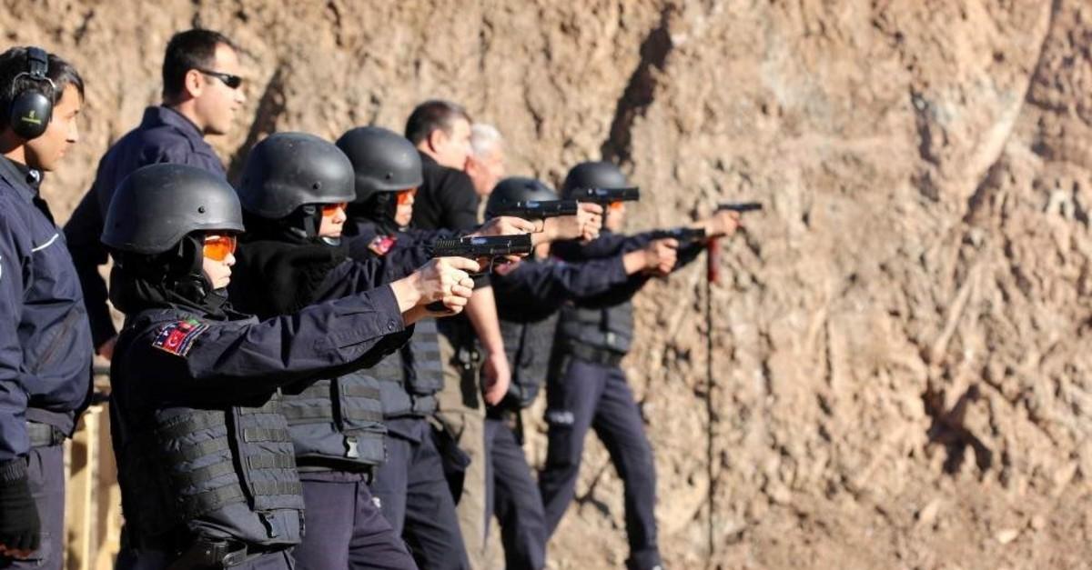 Afghan policewomen take aim during a training session, Sivas, Turkey, Nov. 26, 2016. (AA Photo)