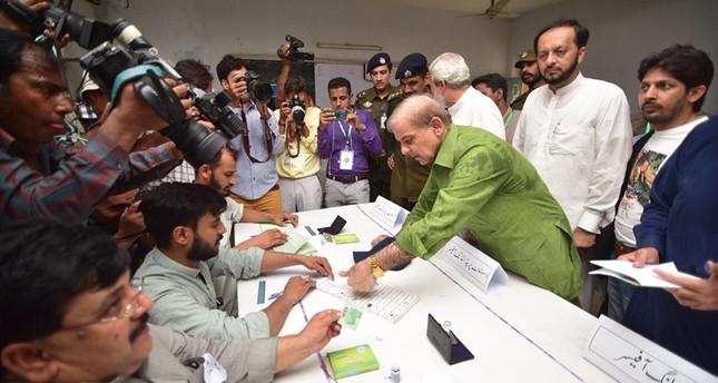 انطلاق الانتخابات العامة في باكستان وسط موجة عنف ضد مراكز اقتراع