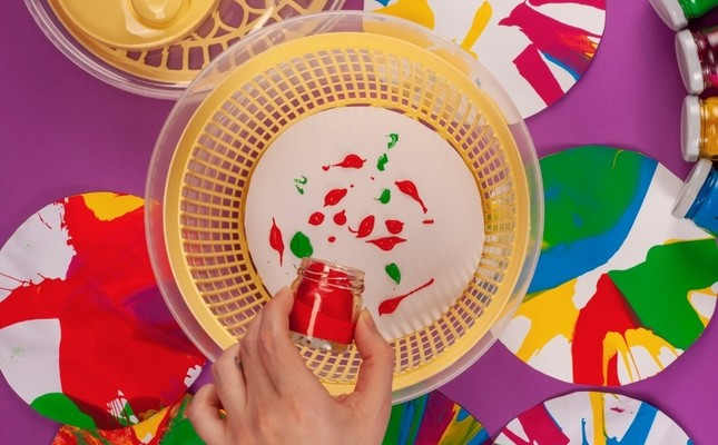 "In the ""Spin 'n' Paint, Blow up Bubbles!"" workshop, children will create experimental paintings via salad spinners."