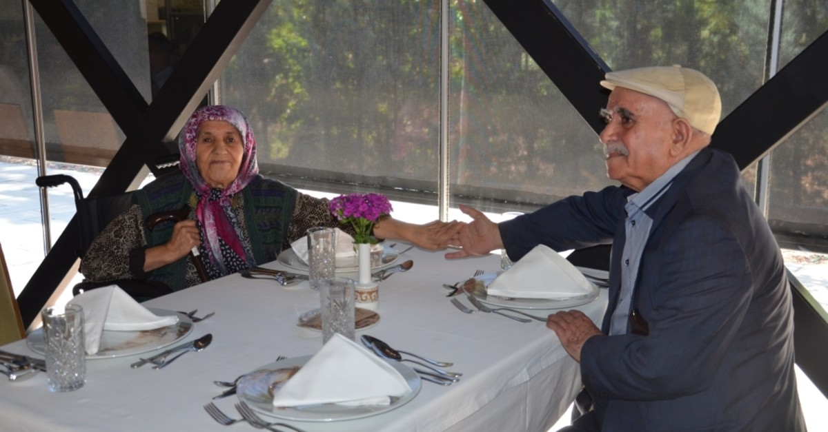 Cesim and Emine Kaynak, an 84-year-old couple, have a romantic lunch courtesy of the local municipality which also offers them home care in the southern city of Gaziantep, Oct.1, 2019.