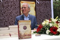 Aaron Nommaz, Portugal's honorary consul in Istanbul, hasn't forgotten the kindness shown by the Ottoman Empire to his ancestors 500 years ago. In fact, he has chosen to immortalize the favor...