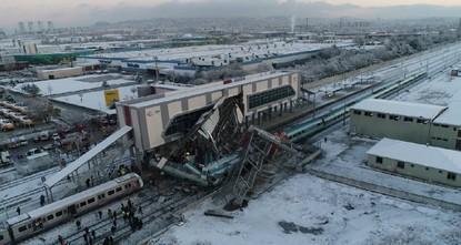 Zugunglück in Ankara: 9 Tote, 86 Verletzte