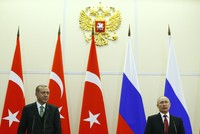 قال الرئيس الروسي فلاديمير بوتين إن بلاده لم ترسل أسلحة إلى تنظيم