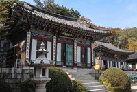 Seoul: City in the shadow of temples