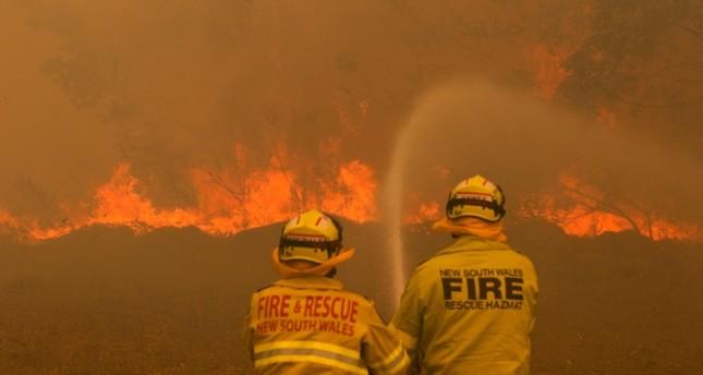 قتيلان على الأقل وعشرات المصابين جراء حرائق مستعرة في شرق أستراليا